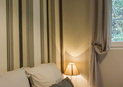 chambre avec lit double pour clientèle séminaire